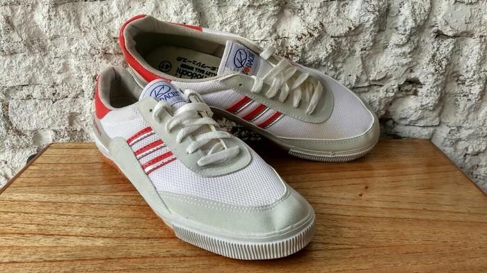 harga Sepatu capung kodachi 8116 merah-silver size 41 - badminton volley Tokopedia.com