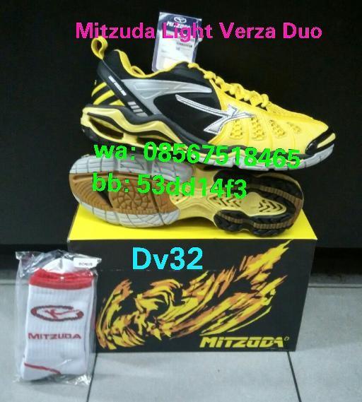 100% original harga Sepatu voli   volley   volly mitzuda light verza duo !  100% original Tokopedia 0380a13866
