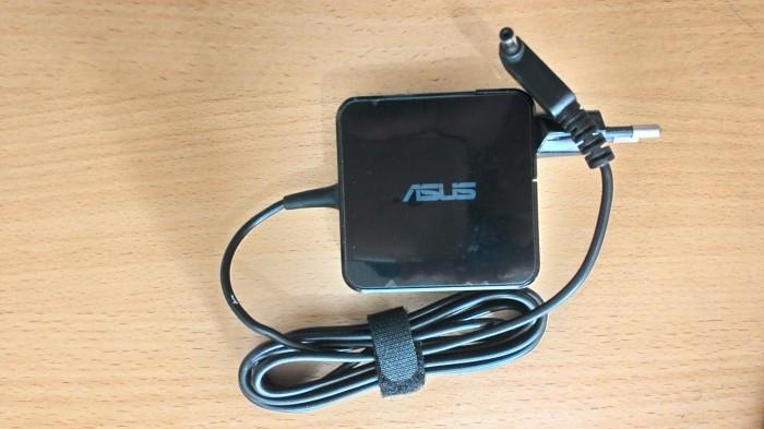 harga Adaptor asus ori 19v 1.75a 5.5 x 2.5 mm x200 x201e Tokopedia.com
