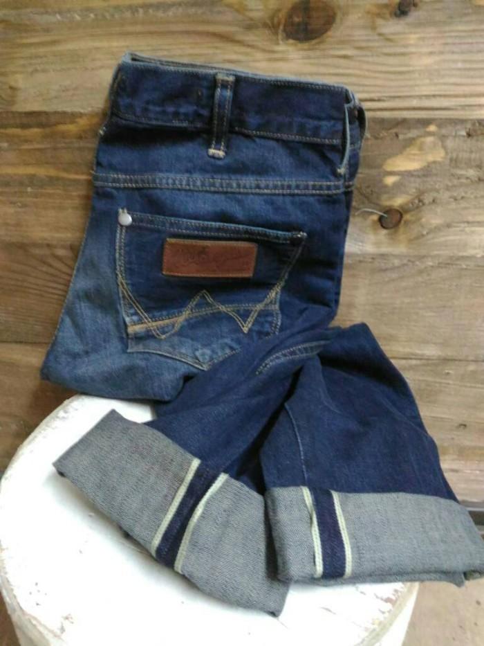 Harga Celana Jeans Wrangler Original Greensboro Selvedge Model Slim Fit Tokopedia