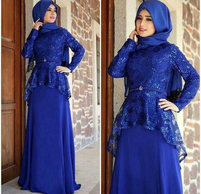 Maxi dress kombinasi brokat dengan
