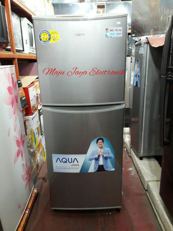 harga Kulkas 2 pintu sanyo aqua d240 no frost Tokopedia.com