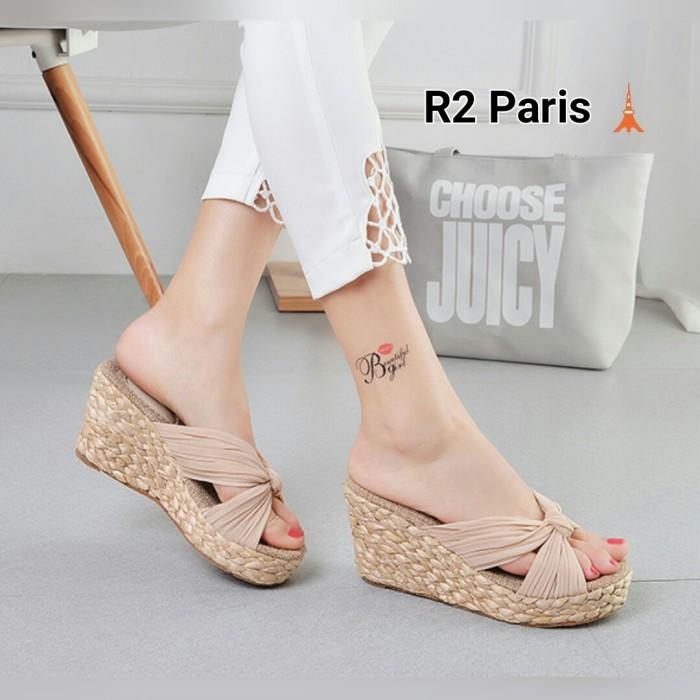 harga Wedges sandal valeria cream putih hitam Tokopedia.com