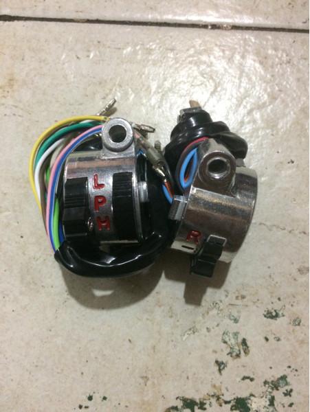 harga Saklar / Holder Honda C50 / C70 Pispot Kanan Kiri Import Tokopedia.com