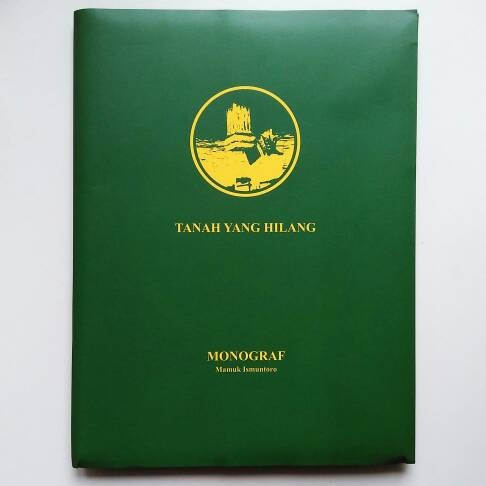 harga Mamuk ismuntoro - tanah yang hilang buku foto photobook Tokopedia.com