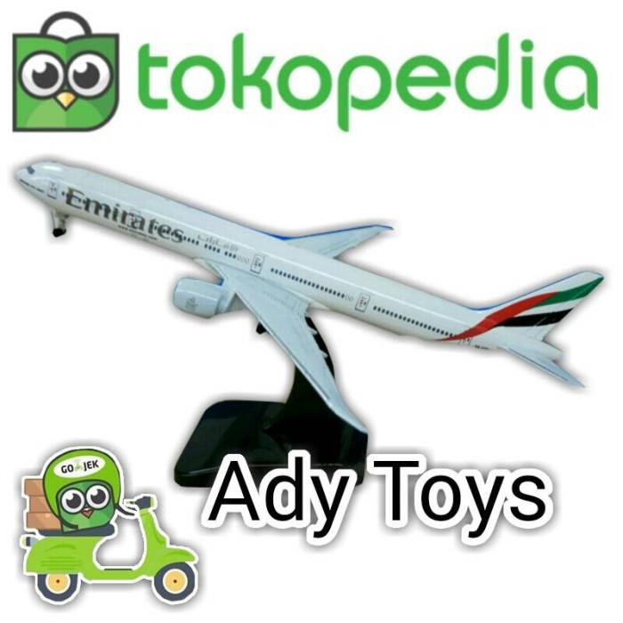 harga Pajangan miniatur pesawat air plane model emirates uk besar 18.5cm Tokopedia.com