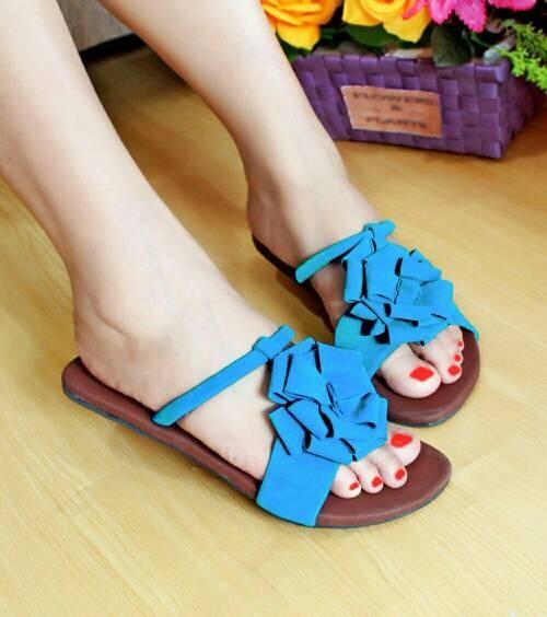 harga Sepatu wanita murah - sandal teplek selop bunga r&b biru Tokopedia.com