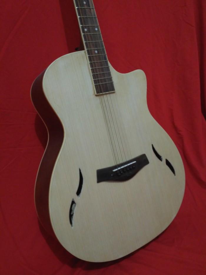 Gitar akustik Taylor Unik Natural