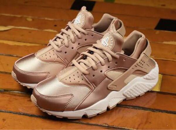 harga Nike huarache rose gold sneakers wanita sepatu jalan premium Tokopedia.com