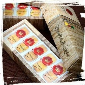 harga Pineapple nastar taart ti huang Tokopedia.com