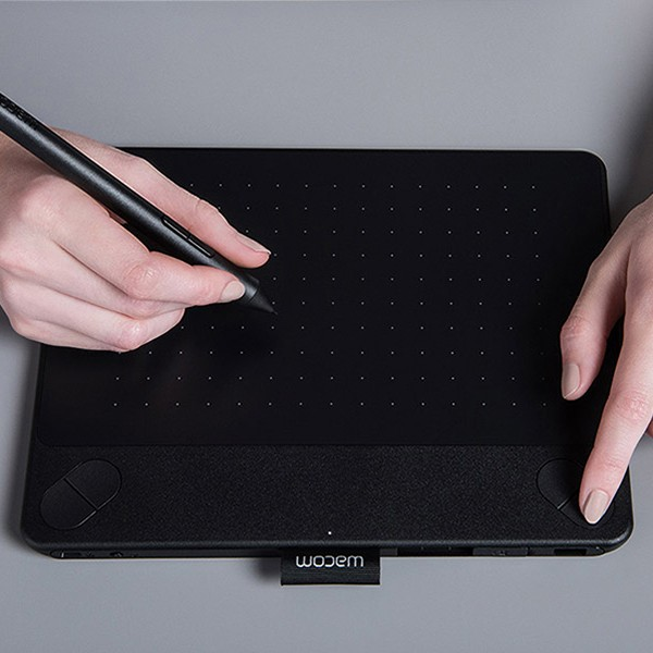 harga Wacom intuos comic pen touch small - black Tokopedia.com