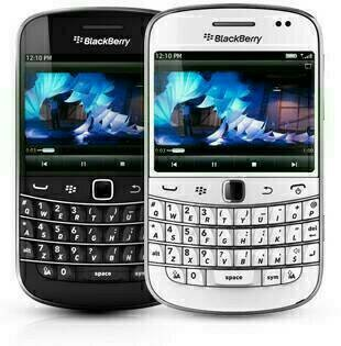 harga Blackberry bold 9900 dakota (hp bb dakota 9900)new garansi Tokopedia.com