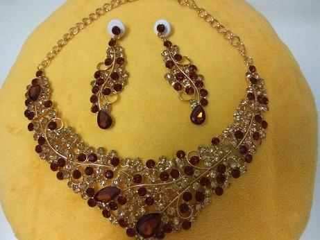 harga Perhiasan kalung set batu coklat elegan Tokopedia.com