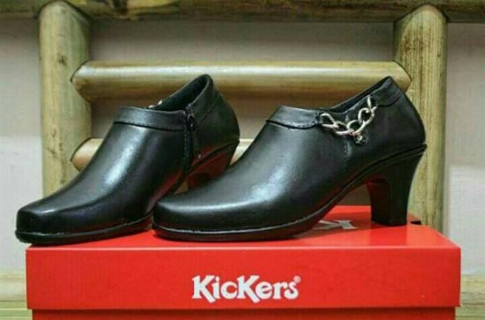 Sepatu Wanita KICKERS Pantofel Kulit Asli Full Black