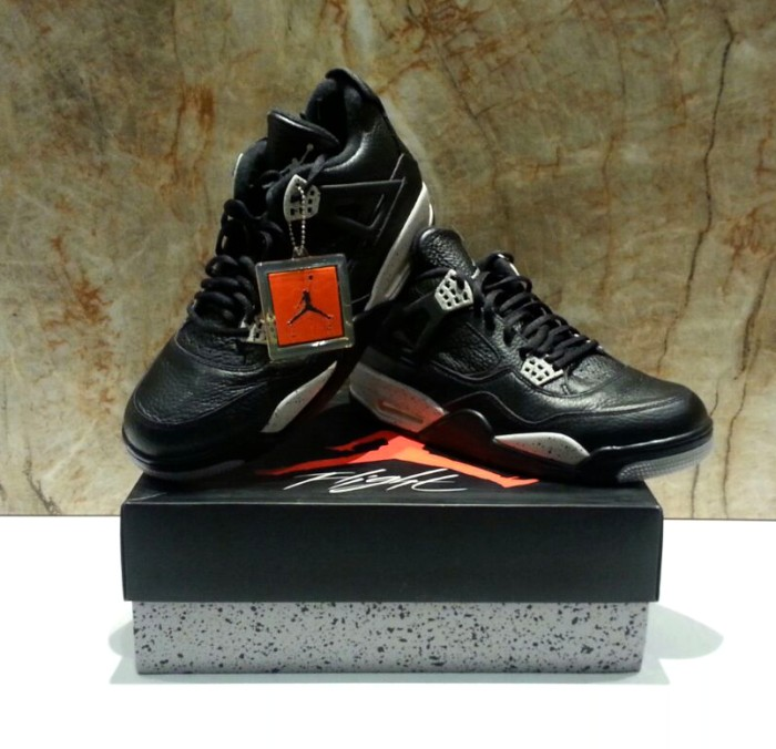 new product 1f34b e67c7 Jual Air Jordan Retro IV 4 OREO   Nike Original Size 10 / 44 AUTHENTIC -  Kota Makassar - sneakerikon   Tokopedia