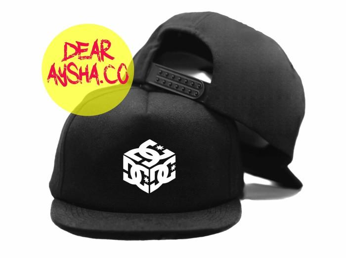 Topi snapback hitam dc shoe cube 1403 - dear aysha bcdbb8286d