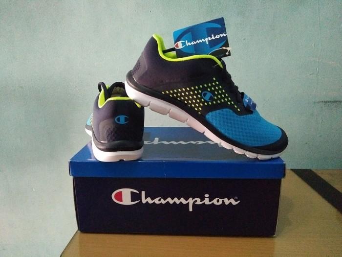 b181f02652f Jual Sepatu Sport Champion GUSTO XT Original Lisensi from USA Ringan ...