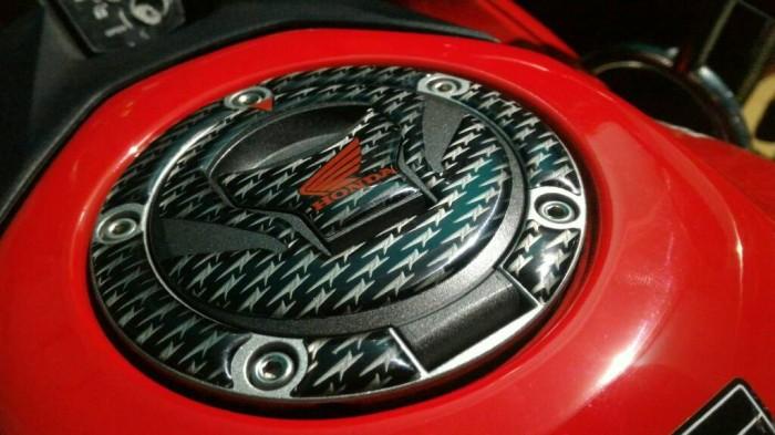 harga Stiker - sticker tutup tangki bensin new honda cbr facelift & cb 150 r Tokopedia.com