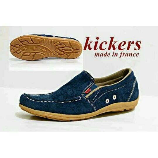 harga Sepatu slip on kickers casual pria slop navy santai Tokopedia.com
