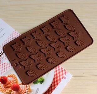Cetakan silikon coklat es puding silicone karakter daun 24 pcs