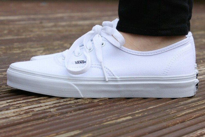 3fb0c352c1 Jual Sepatu Vans Authentic White Full white Premium high quality ...