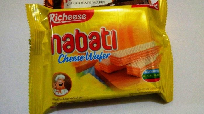 Richeese Wafer Keju Nabati Snack Cheese Murah
