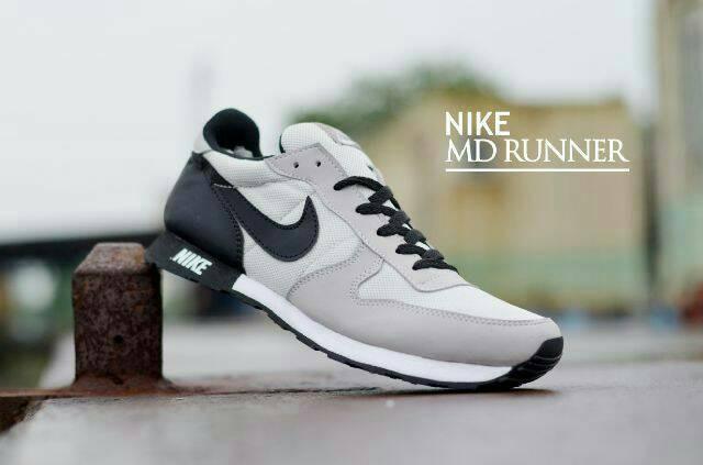 harga Sepatu sport pria casual nike md runner men Tokopedia.com