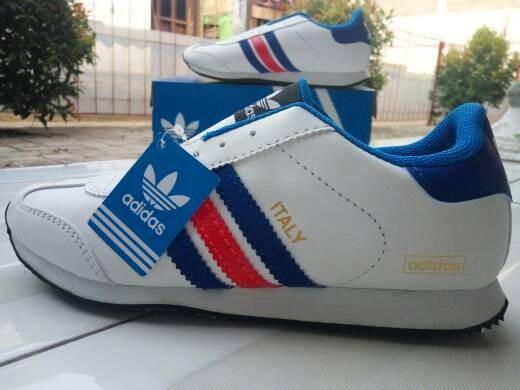 Jual sepatu Adidas italy putih list merah biru grade original murah ... 0708a8eb8c