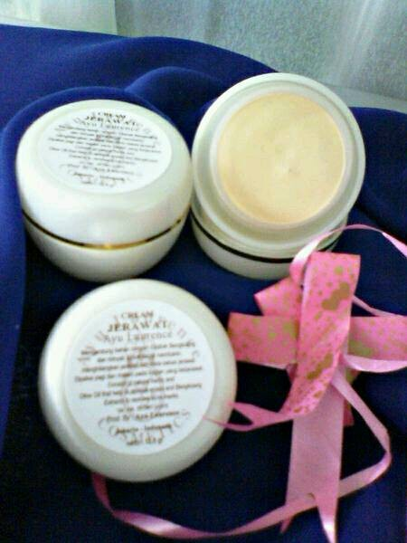 harga Cream jerawat/krim jerawat by ayu laurence kosmetik tradisional/alami Tokopedia.com