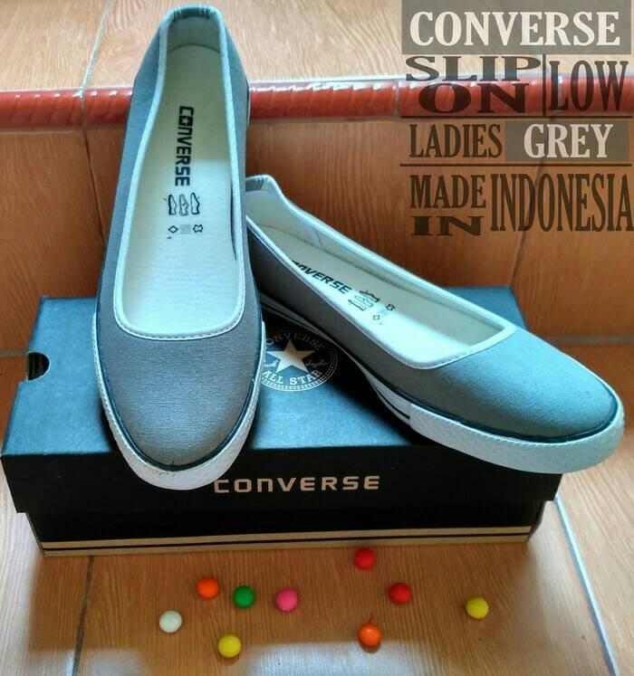 Jual Sepatu Converse Slip On Ladies   Converse Cewek   Flat Shoes ... b926c60cfe