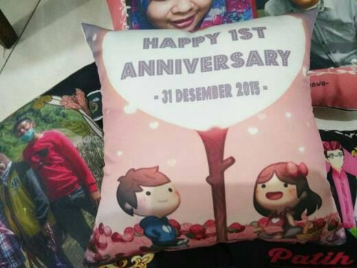 Jual bantal custom love edisi kado anniversary bella gift shop