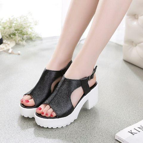 sandal sepatu hak tinggi wanita hitam putih