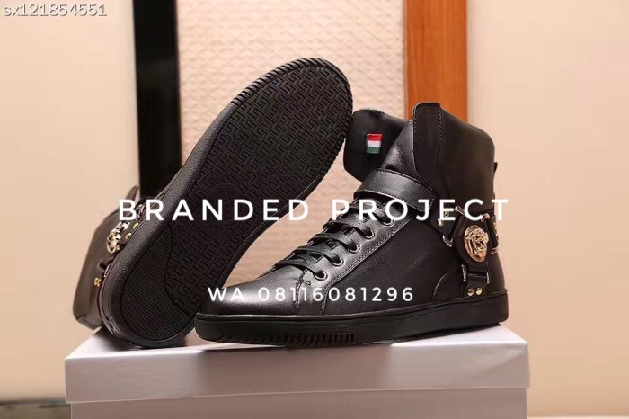 Jual Sepatu boot kulit Versace - Luxury Project  177aaed77a
