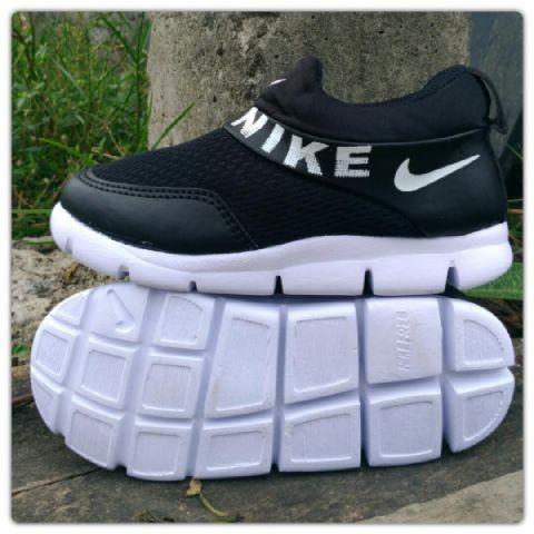 harga Sepatu anak perempuan wanita laki sekolah tk sd slipon hitam Tokopedia.com