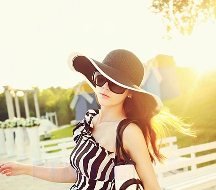 harga Summer beach sun hat b   w   topi pantai lebar fashion wanita import  Tokopedia 40053e855a