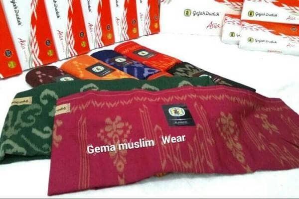 Foto Produk SARUNG GAJAH DUDUK ASIA MOTIF - Merah Salem dari LARIS KIDS