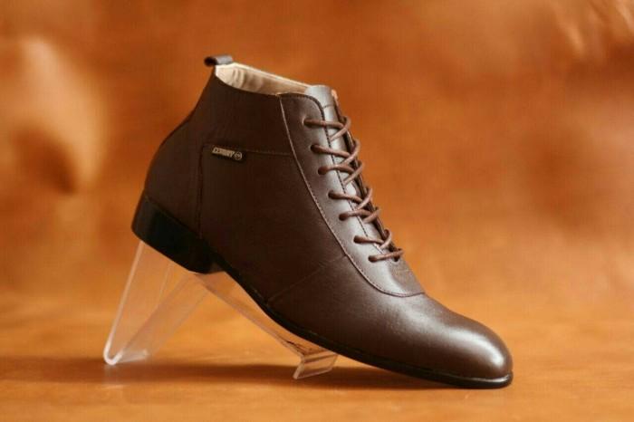 Free Bonus !!! sepatu Boots murah Kulit Asli cevany original terlaris. -  Cokelat Tua 411d59b272