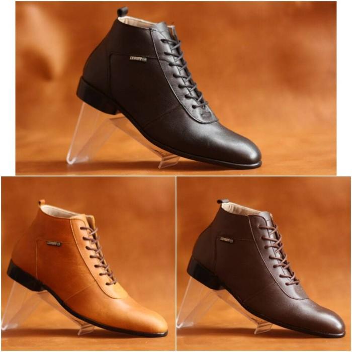 Sepatu Boots Kulit Semi Formal Pria Cevany Max Original - Cokelat Tua 555c62471d