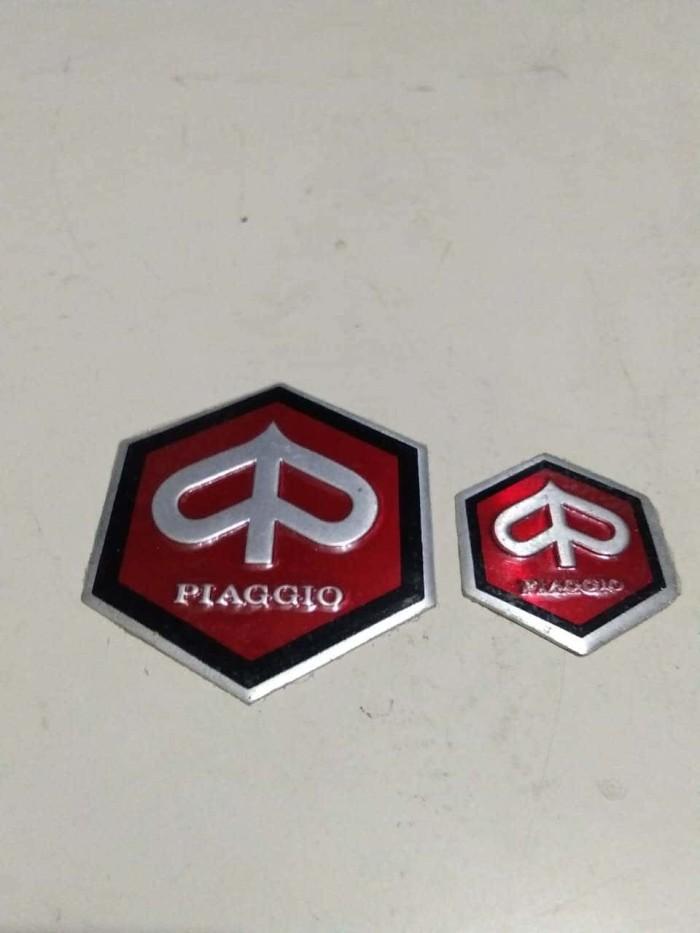 harga Vespa sprint - emblem piaggio besar/ kecil - made in thailand Tokopedia.com