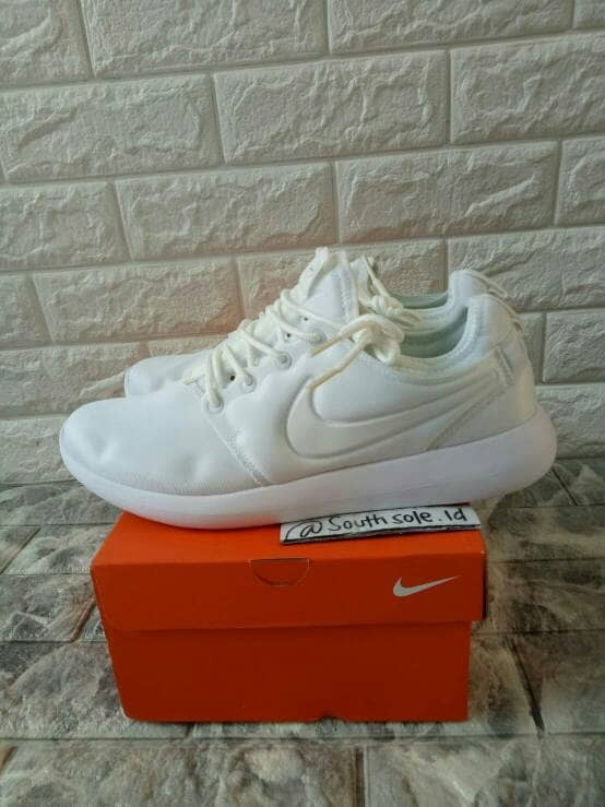 662cc31a24a4 Jual Nike Roshe Two Triple White - South Sole indonesia