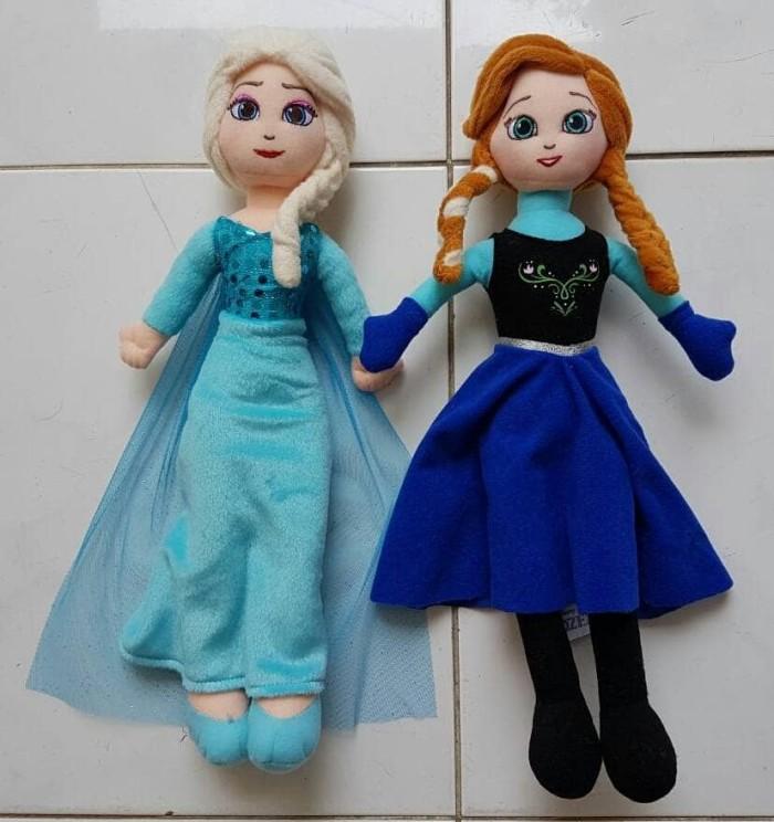 Jual Boneka Elsa and Anna Frozen Original from Disney - My Online ... b23c02f285