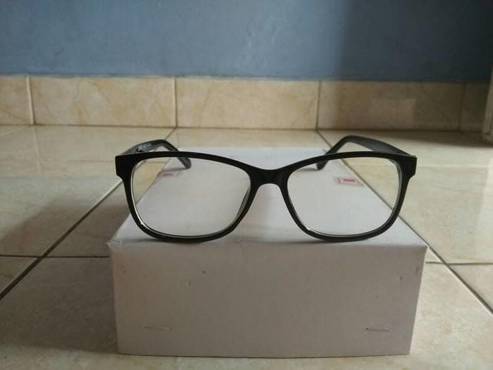 Jual kacamata anti radiasi HP dan komputer trendy hit Korea ... 03623dd4fe