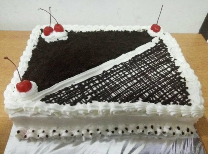 Jual Kue Ulang Tahun 20cmx20cm Choco Oreo Cake Jakarta Selatan Harin Homemade Tokopedia
