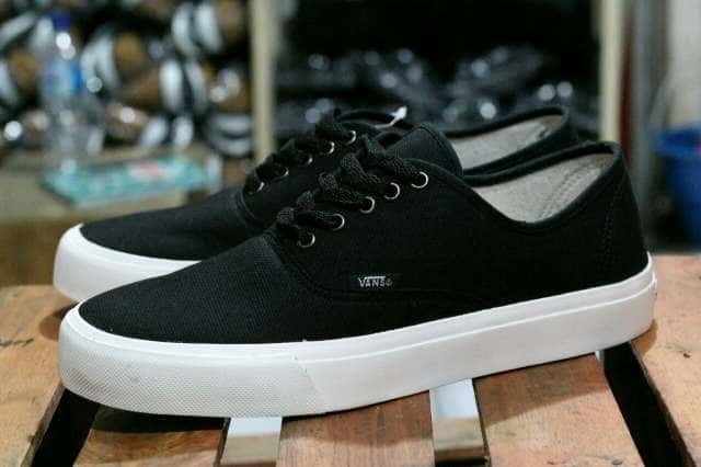 Katalog Vans Authentic Hitam Travelbon.com