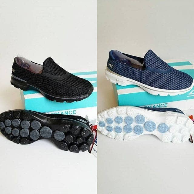 Sepatu skechers wanita go walk 3 salur harga ... 017f9d400f