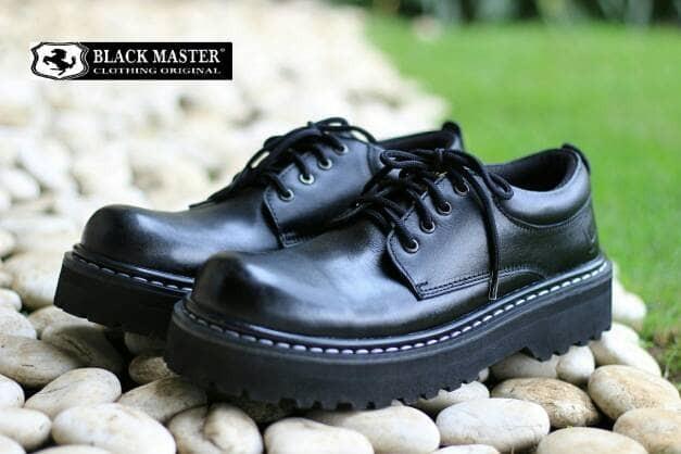 harga Sepatu pria casual boot nyaman kulit handmade black master 1 Tokopedia.com