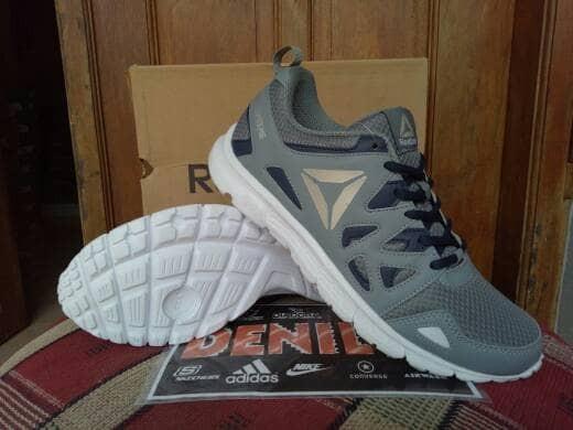 Jual ORIGINAL 100% Sepatu Running Gym Fitnes Reebok Run Supreme ... 57ca331233