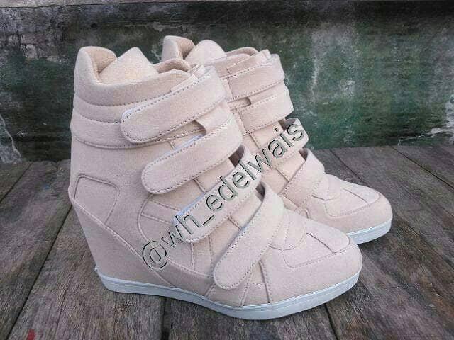 harga Sepatu wanita sneaker hidden wedges kets heels boots korea nike Tokopedia.com