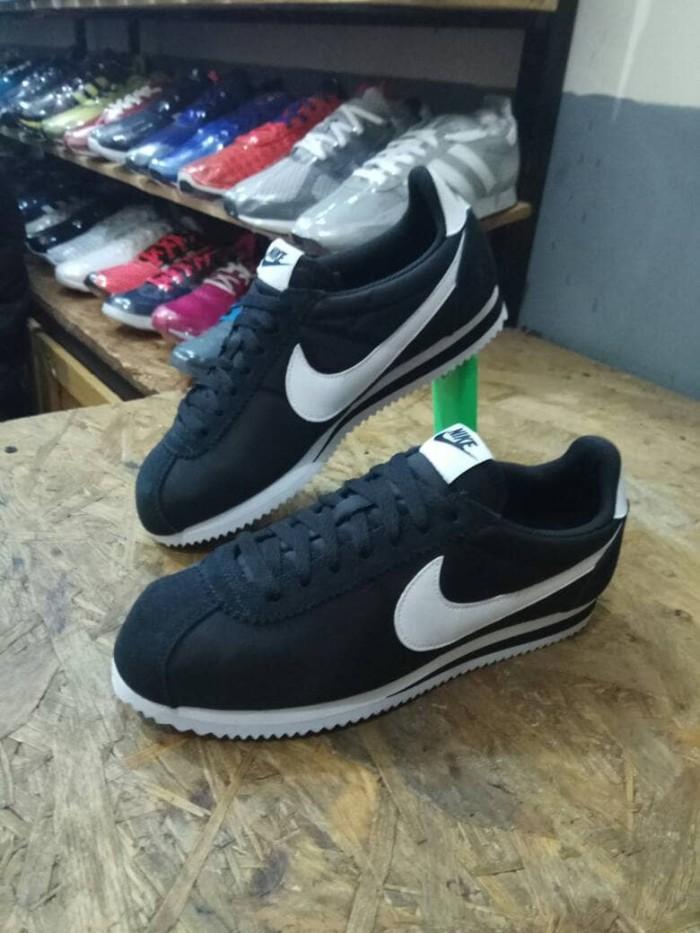 Sepatu nike cortez classic nyilon original (made in indonesia) harga ... 4808ebac22