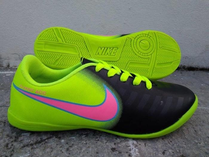 Sepatu Futsal Anak Nike Hitam Greenlight